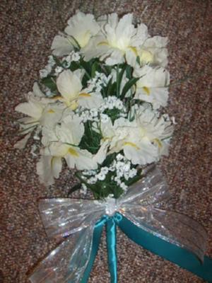 bridal bouquet 10 to make I am doing a 30 person May teal white silver