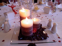 Candle Wedding Centerpieces (source: cheap-wedding-solutions.com)
