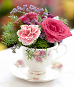 cheap wedding flower centerpiece in a teacup