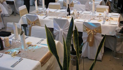 gold wedding reception table