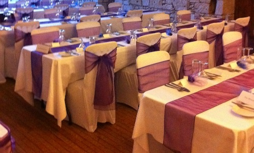 Top 10 Cheap Wedding Table Decorations You Can Borrow From Your Venue